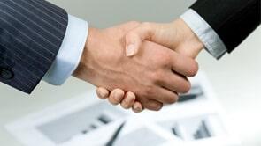 handshake-min